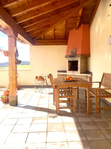 House with 3 bedrooms in Arellano, with wonderful mountain view and furnished terrace