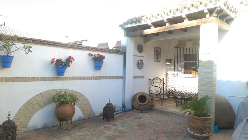 Casa Andalusí 3,A 8 KM de Sevilla,Hay autobús