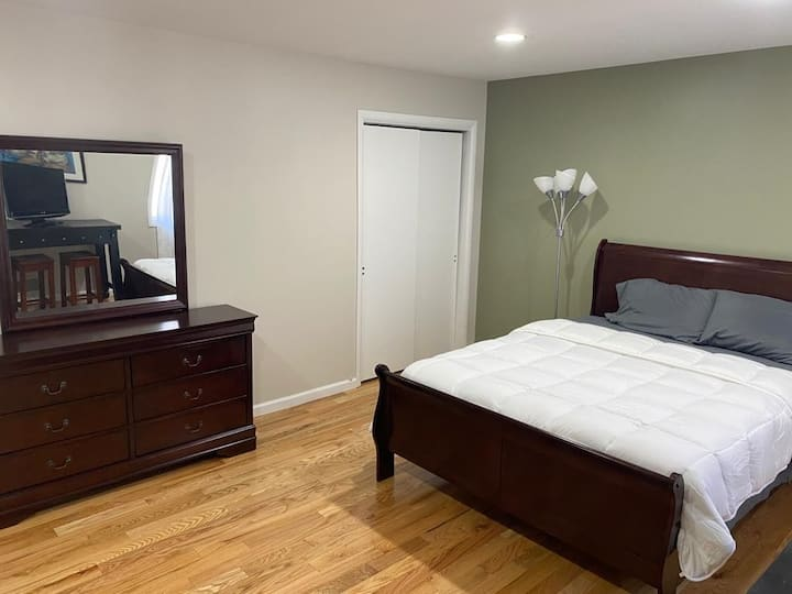 Large 1BR in a beautiful house where owner resides