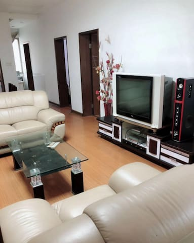 Malang's private large bedroom