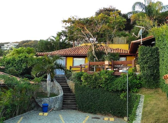 Casa na Praia da Ferradura próx ao  Insólito Hotel