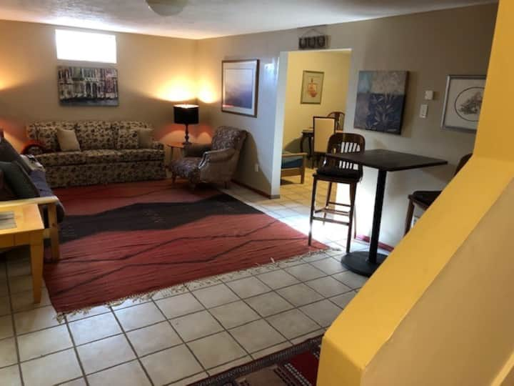 Full 1/1 Basement aptment, 1.5 Mi. to BZN airport