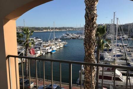 """ON THE WATER in Marina del Rey (The """"West Room"""") - Марина дель Рэй - Квартира"""