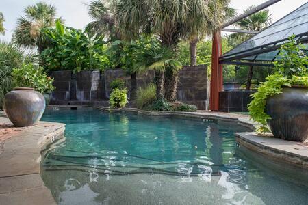 Resort Style Pool - Walk to White Rock Lake