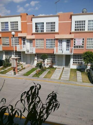 Recamaras con estacionamiento - Heroica Puebla de Zaragoza