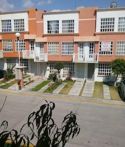 Recamaras con estacionamiento - Heroica Puebla de Zaragoza - Asrama