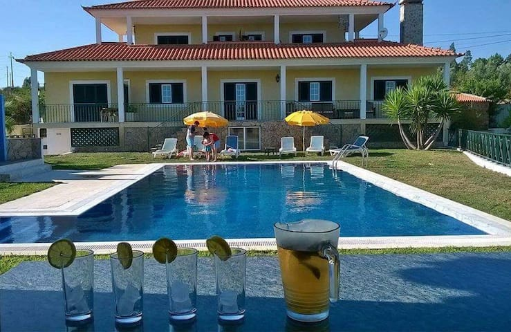 Big villa with swimming-pool & Wifi