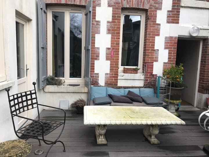 Chambre indépendante rez de jardin avec terrasse