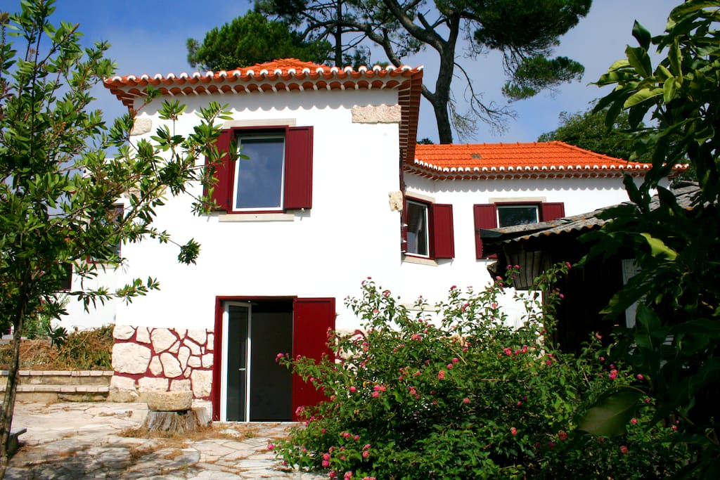 maison de la for t senhora da paz lisboa sintra maisons louer rinchoa lisboa portugal. Black Bedroom Furniture Sets. Home Design Ideas