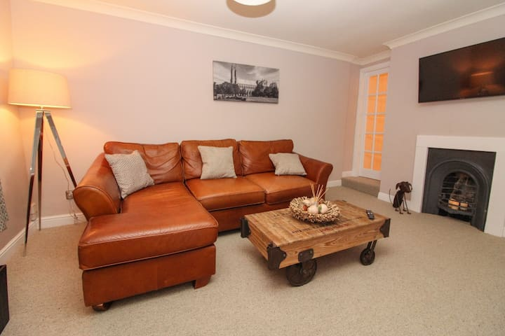 Luxury cosy apartment in central Beverley