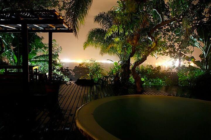 Suíte com vista para o mar - Ilhabela - Ilhabela - Condominium