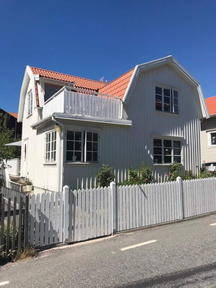 Charming house on the lovely island of Tjörn