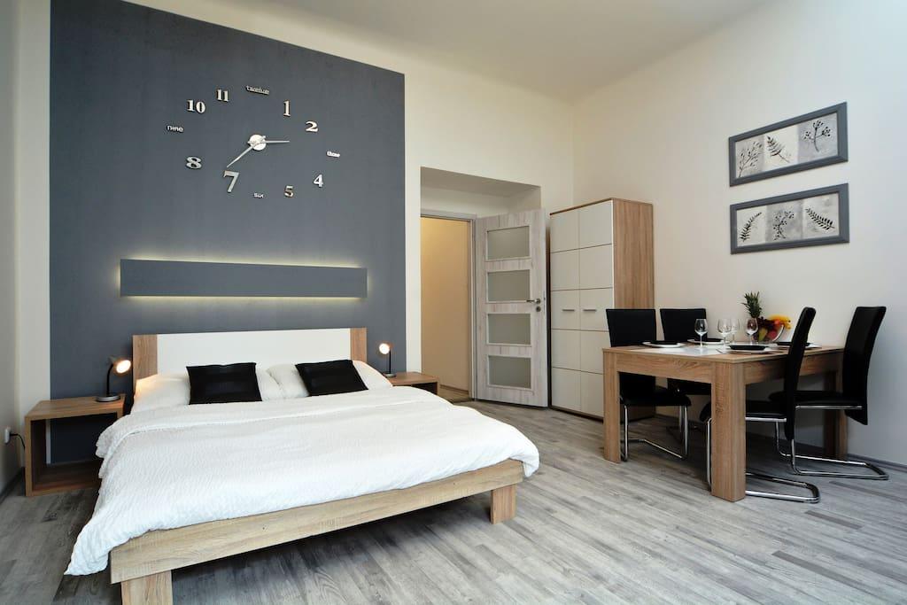 new renovated navratilova apartment wohnungen zur miete. Black Bedroom Furniture Sets. Home Design Ideas