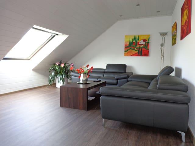 Mansardenwohnung zentrale Lage - Rees - Apartment