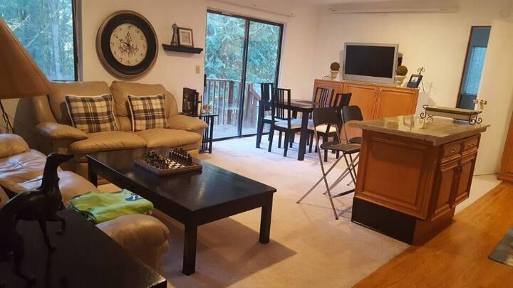Cozy Suite in near Serene Sahalee CC ( Rm #3)