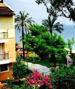 Deniz kenarında,eşyalı,lüks villa - Kemer