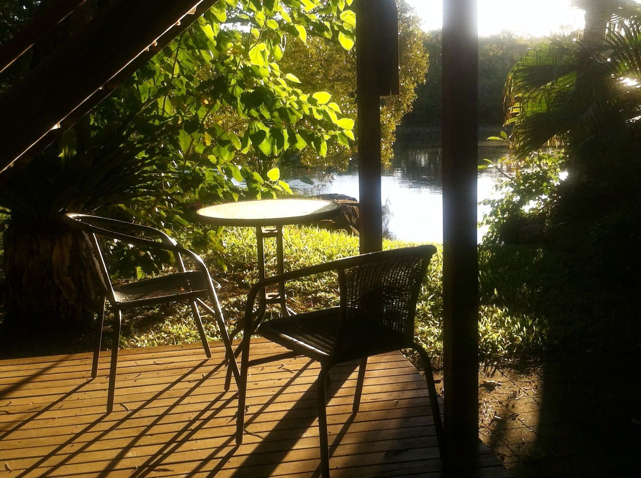 Tranquil creek frontage. Ideal for eating , reading, contemplating or all three :)