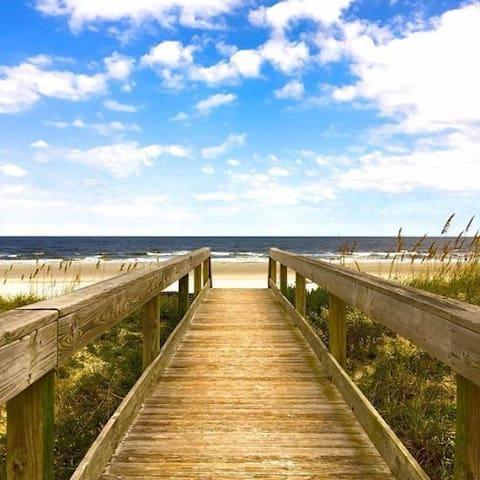 Beach Hut Getaway