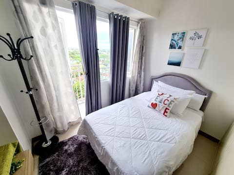 1 BR Oasis in SM Southmall w/ Fibr WiFi & Netflix