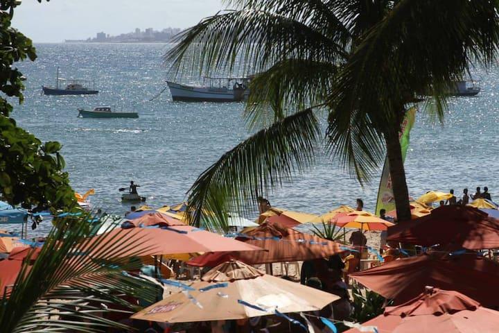 """Salvador Pousada """"Ouriço do mar"""" em frente a praia - Itapuã - ที่พักพร้อมอาหารเช้า"""