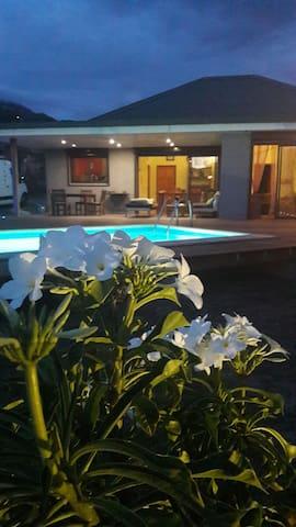 Quiet guest room Tontouta airport 20' & Nouméa 15'