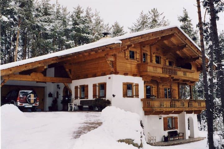 Gemütliche Ferienwohnung in Skigebietsnähe in Obsteig