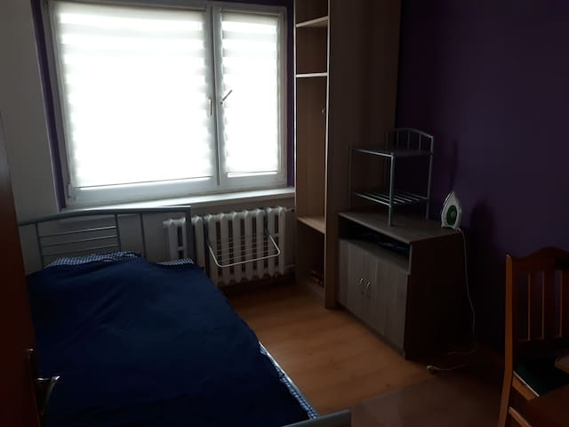 cosy room with twin bed, Gliwice Politechnika
