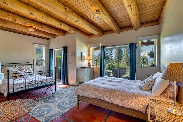 Bigfoot Lodge B&B ~ Timberline Suite