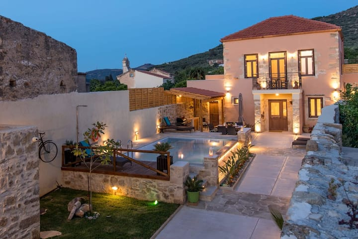 Villa Theta | with private pool
