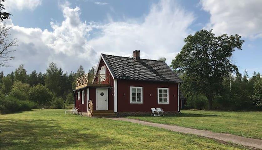 Småländsk cottage close to Kosta