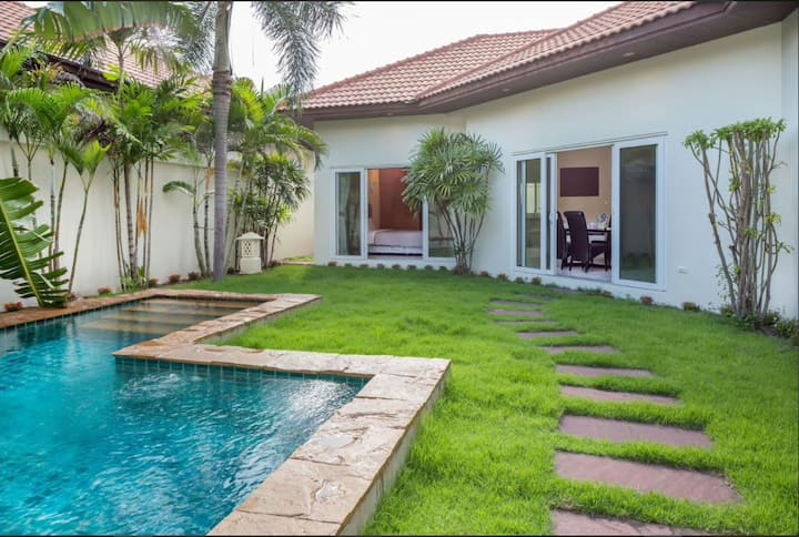 LONG STAY PROMOTION!  Private Pool Villa Fast Wifi