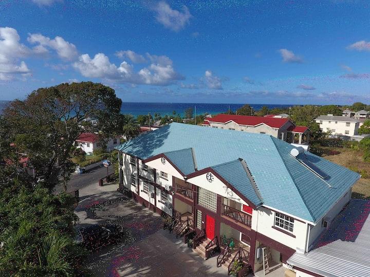 ⭐️ Sleeps 10 guests - 5 BR South Condo near Beaches
