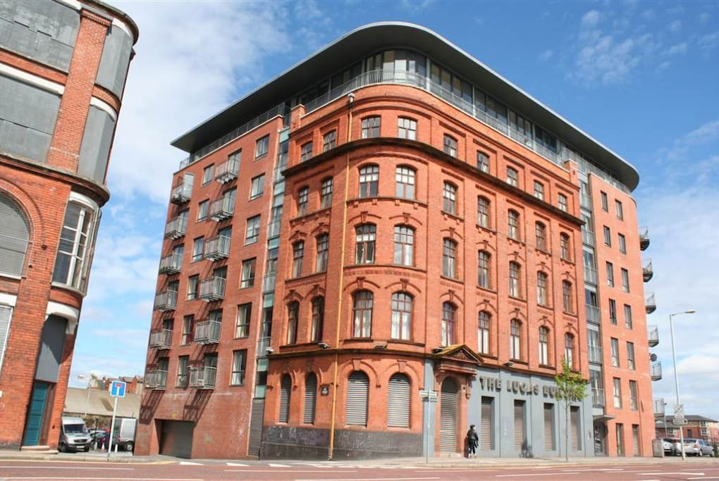 Spacious 2 bed apartment in Belfast City Centre ...