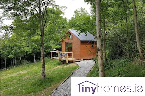 """Lakeview Cabin, 'Most Unique Listing in Ireland!"""""""