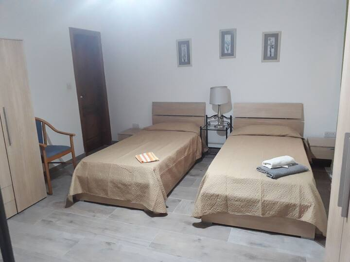 Large Shared room Bed and Breakfast