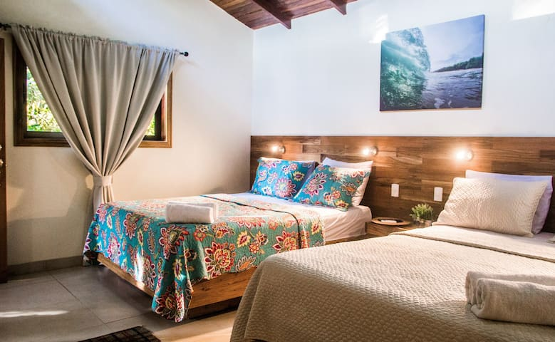 Banana Beach Bungalows - 2 Queen-Size Beds w/Pool - Puntarenas Province - Bungaló