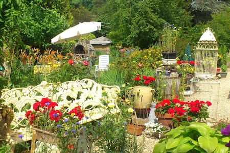 Grande maison Normande et jardin des merveilles - Ev
