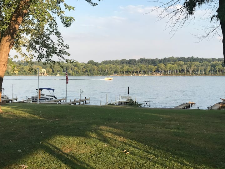 Newly renovated  Riverhouse close to Louisville