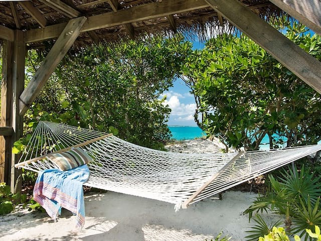 One Bedroom Private Cottage on Grace Bay Beach! - Providenciales - Dom