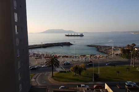DEPARTAMENTO AMOBLADO CON VISTA AL MAR - Antofagasta - Huoneisto