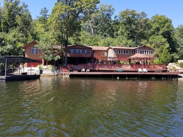 JG Lake and Lodge