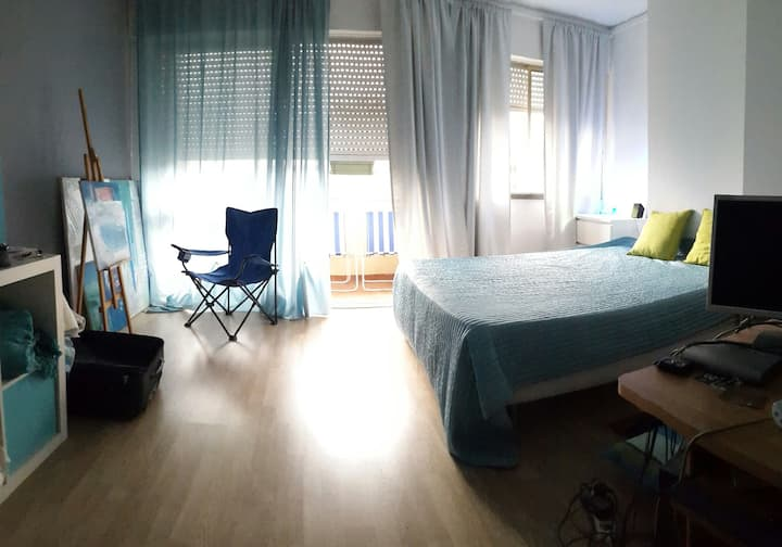 Big room for 3 persons w balcony