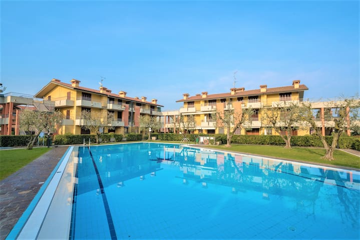 Bright Apartments Sirmione - Fiori Pool