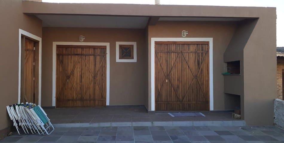 Alugo apartamento em Balneário Pinhal novo
