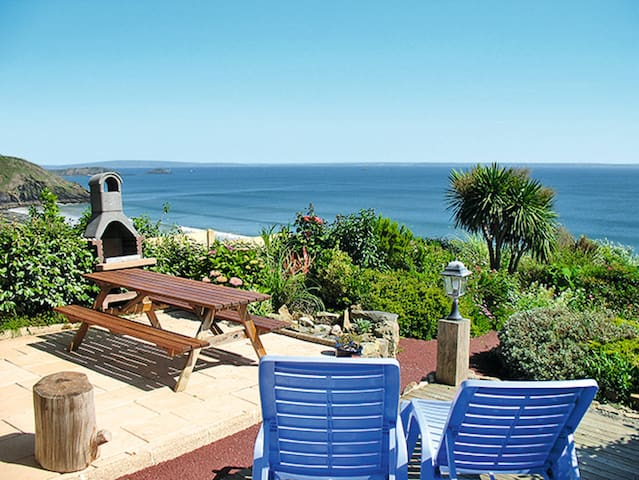 130 m² Holiday home in Crozon