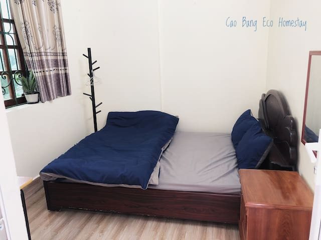 Cao Bang Eco Homestay - double room Queen bed size