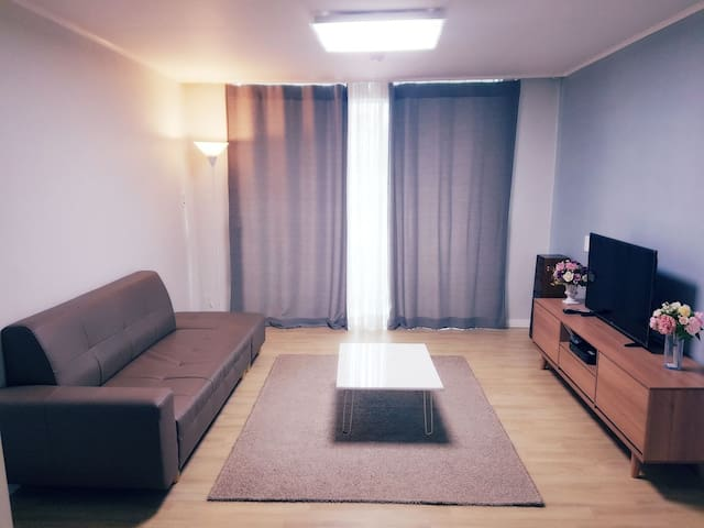 [아름드리]#청주 #아파트 #거실 #쇼파 #침대 2개 #8인까지