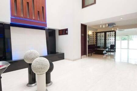Hotel Comfort Zone, Greater Kailash Part II - New Delhi - Boetiekhotel