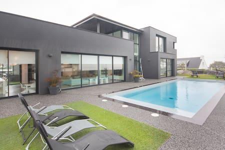 Villa bord de mer avec piscine 28°c - Villa