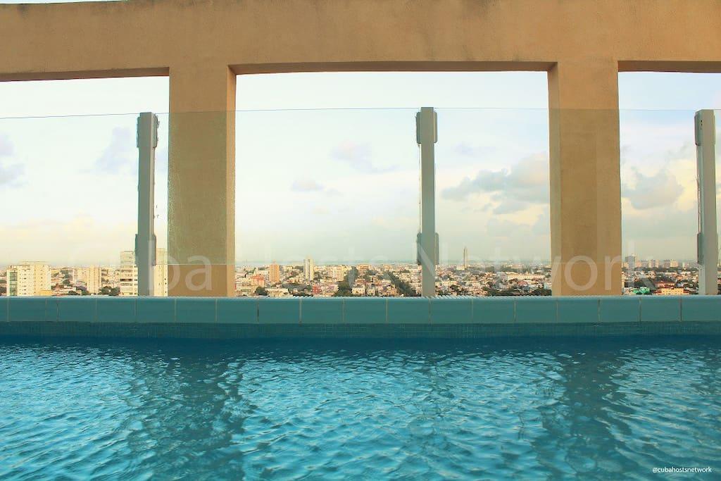 Infinity Pool/Piscina Infinity